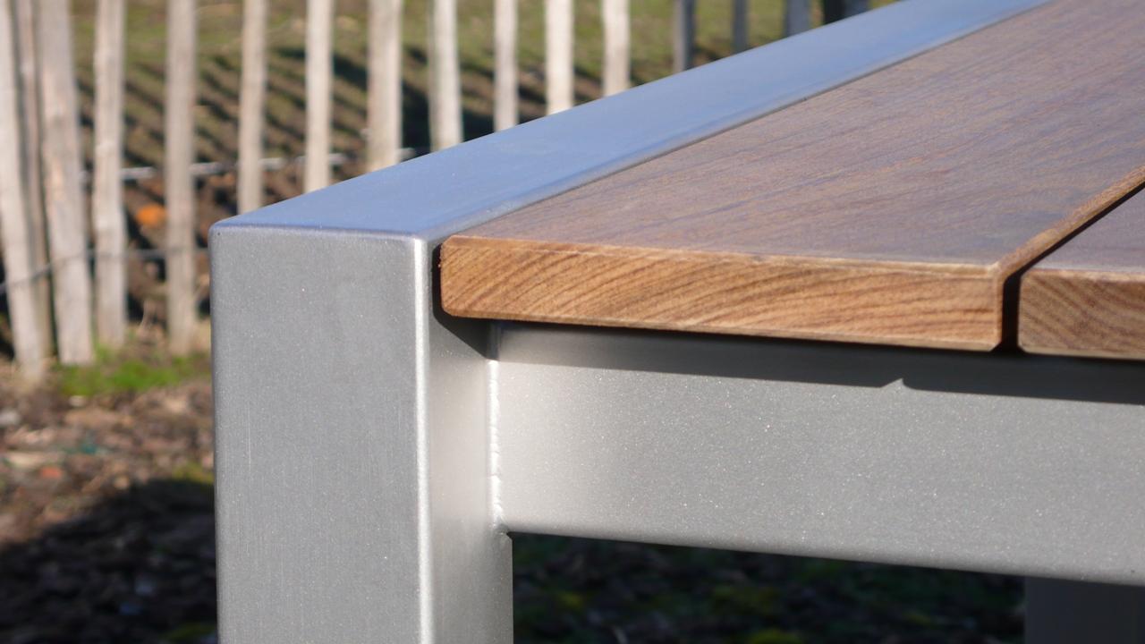 DOOMI wood, detail