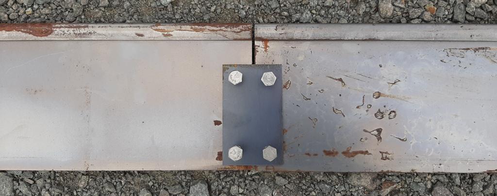 Bordure corten bord écrasé, plaque de liaison